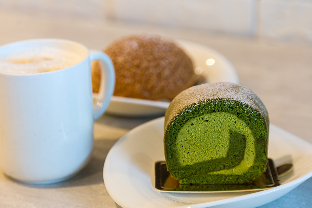 Dulcet & Studio - Matcha Swiss Roll & Vanilla Cream Puff