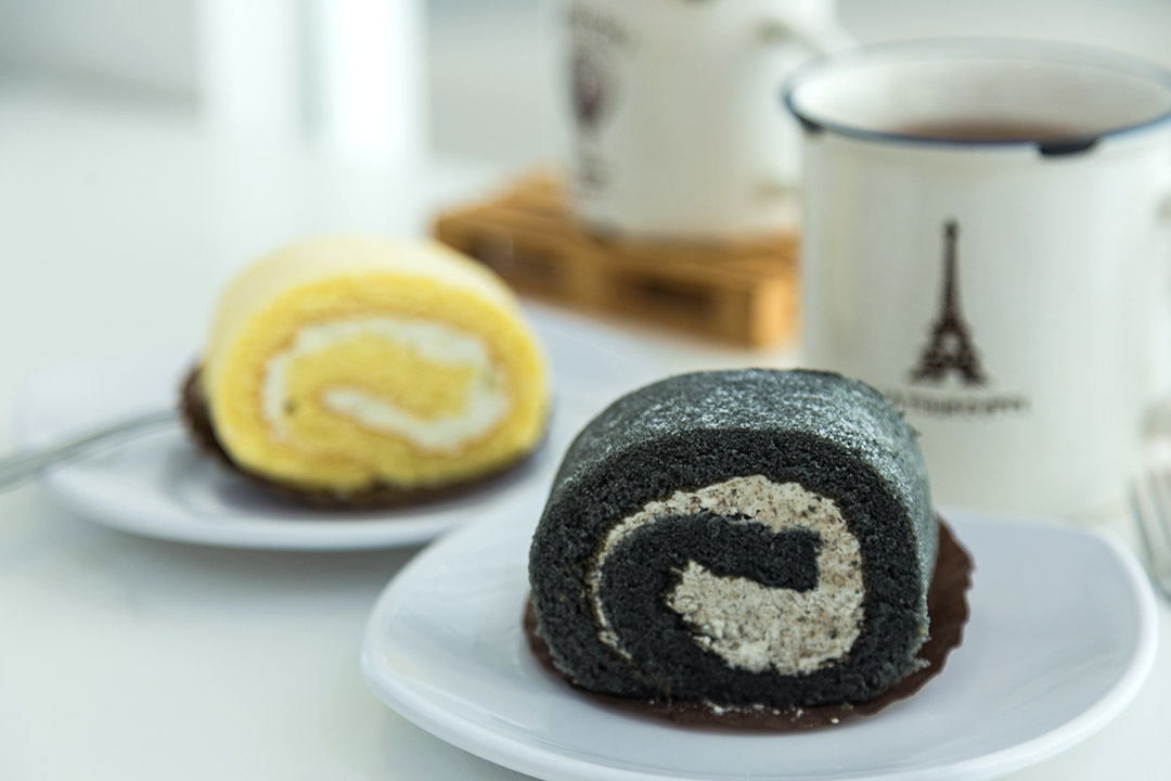 Naomi Kitchen - Black Sesame Swiss Roll & Durian Swiss Roll